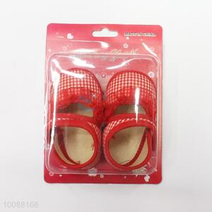 Red-white grid baby shoes